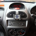 Peugeot 206 Fitted With Parrot Mki9200